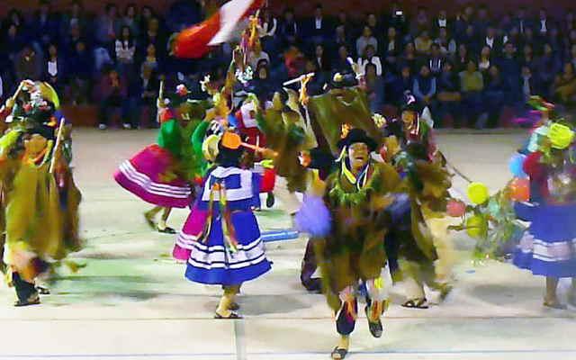 vestimenta del carnaval de colcabamba